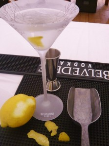 James Bonds Wodka-Martini 001