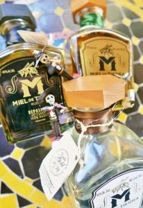 mezcal-miel-de-tierra-trio-878x1280