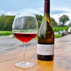 Norm Hardie Winery Pinot noir (640x461)