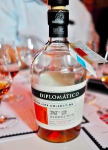 Diplomatice Distillery No 2 hoch