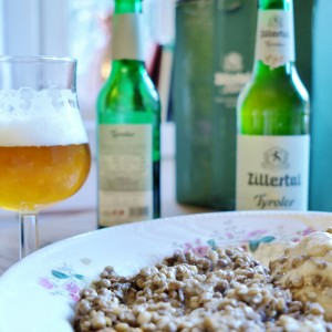 Zillertaler Tyroler am Tisch