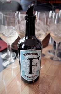 Ferdinands Dry Gin hoch