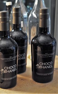 Choco Shanel Flasche hoch