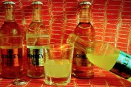 Kinley 250 die neue Range Tonic Bitter Lemon