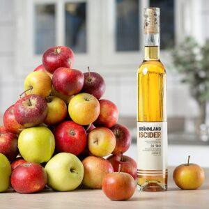Brännland Iscider. Fyra kilo äpplen behövs för att framställa 0,5 liter Brännland Iscider.